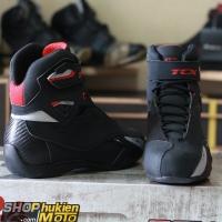 Giày motoTCX 9505W (Đen/Đỏ) (hàng chính hãng) (chống nước)