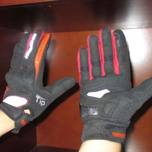 Găng tay Komine GK-163 3D (đen/ đỏ) (size: M/L/XL)
